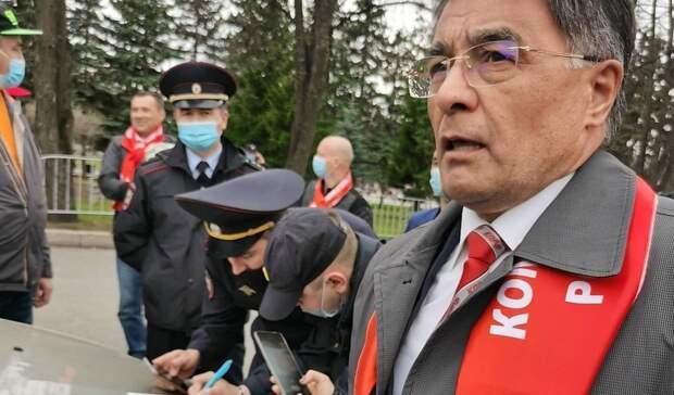 Суд Уфы рассмотрит дело против лидера партии КПРФ вБашкирии Юнира Кутлугужина