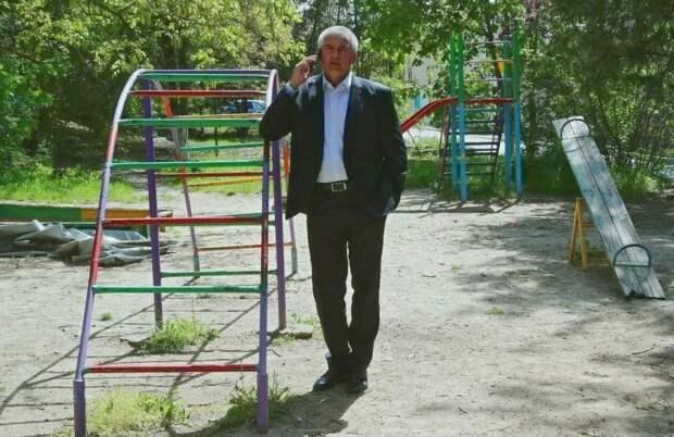 Аксенов попросил глав муниципалитетов убрать голубиный помет на чердаках домов