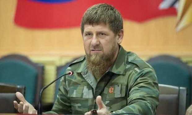 """Кадыров призвал """"заблудших"""" чеченцев вернуться из ЕС на родину и обещал простить"""