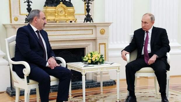 Пашинян проинформировал Путина обинциденте наармяно-азербайджанской границе