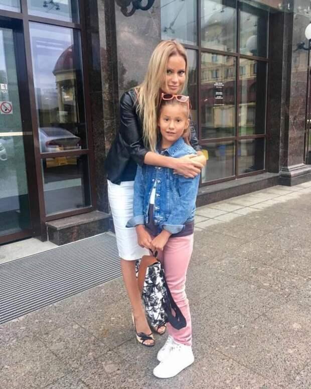 Бывший муж Даны Борисовой вызвал к ней полицию и забрал дочь