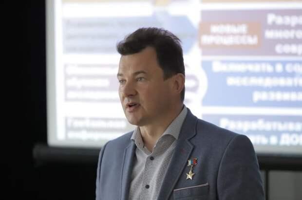 Космонавт Романенко положительно оценил идею о QR-кодах на памятниках