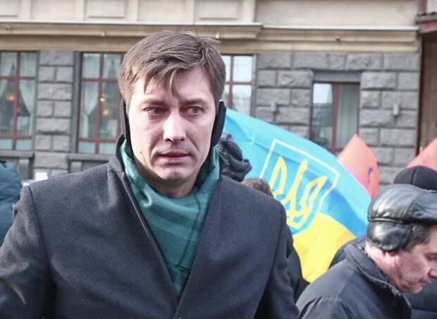 Российские либералы, под предлогом угрозы репрессий бегущие на Украину, должны искупить свои грехи перед...