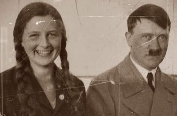 Гели Раубаль и Адольф Гитлер.