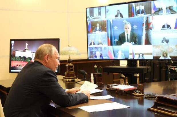 Путин: РФ «выбьет зубы» тем, кто попытается от нее что-либо «откусить»