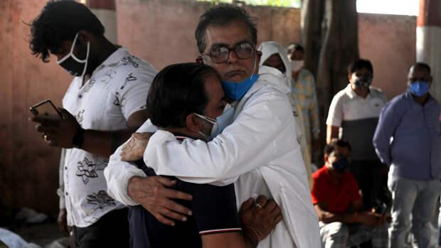 Индия поставила новый рекорд по количеству смертей от коронавируса за сутки