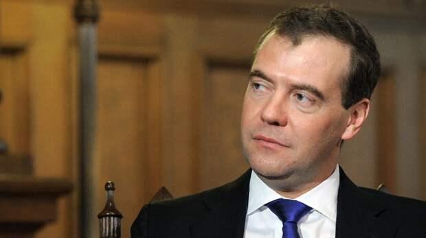 """Медведев рассказал о последствиях """"роковых решений"""" США"""