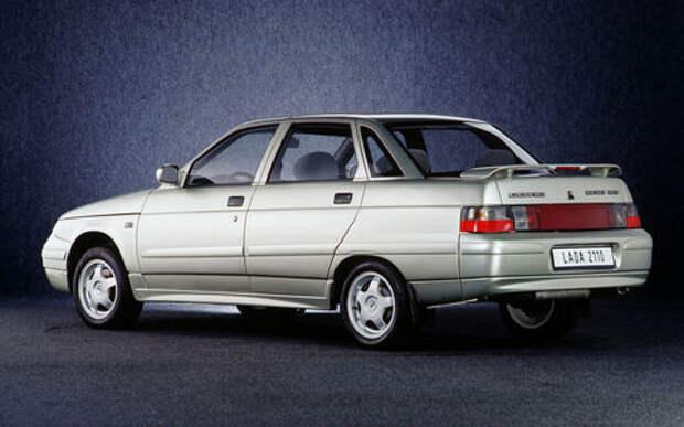 Большинство автомобилей в России старше 10 лет