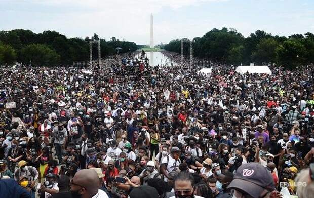В США тысячи человек протестовали против расизма