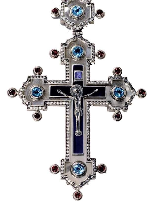 Как нужно и как нельзя обращаться с нательным крестом