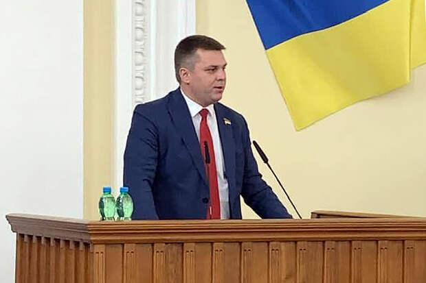 Депутата на Украине вытолкали с трибуны из-за выступления на русском языке