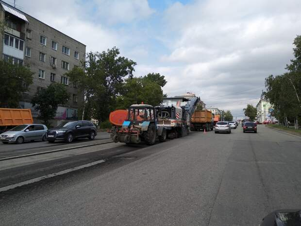 Участок улицы Удмуртской начали ремонтировать в Ижевске