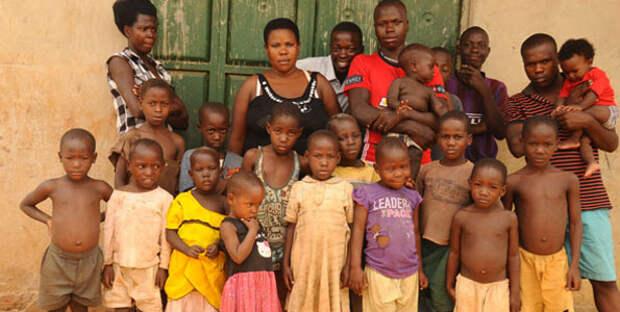 Гений плодовитости из Уганды: мать-одиночка сама растит своих 38детей