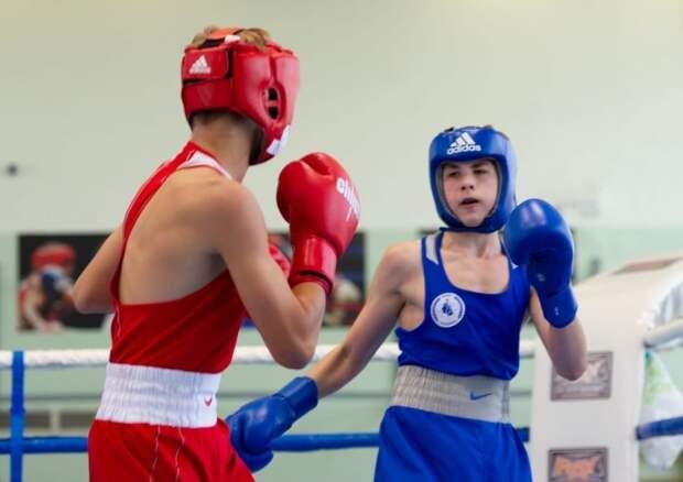 Воспитанник клуба «Родина» взял золото на первенстве Москвы по боксу
