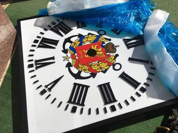 На здание керченской администрации вернули часы. ФОТО, ВИДЕО
