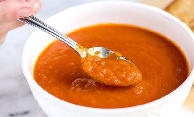 Открыли банку томатной пасты и сделали кастрюлю супа как в Италии