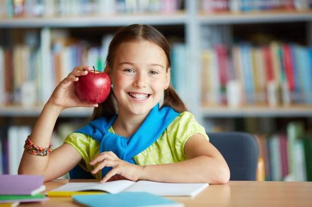 Родители кормят учеников во время занятий. Как мне это надоело!