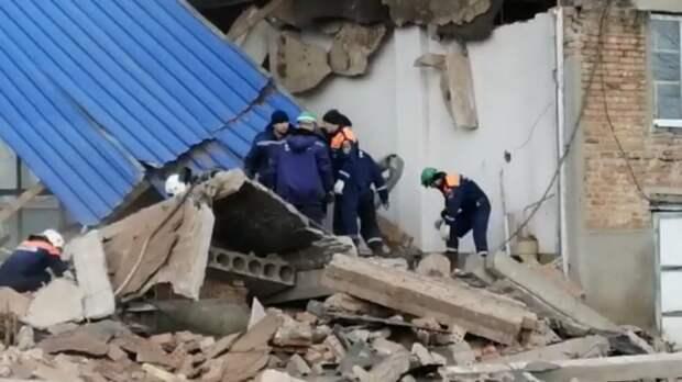 Видео сместа обрушения здания вСальске появилось вСети