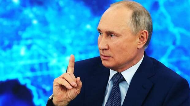 Путин сделал 2-ю прививку от коронавируса и призвал брать с него пример