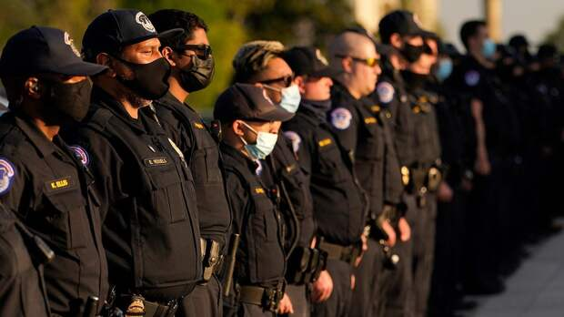 Реформа полиции в США: риски для силовиков, отношение в обществе, влияние на протесты