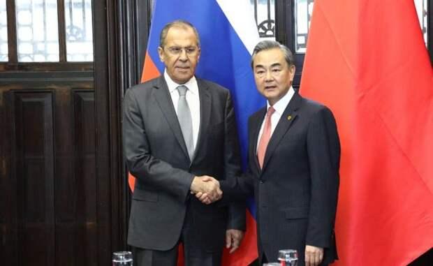 Провал на Аляске и визит Лаврова: Россия и Китай создали «большую двойку»
