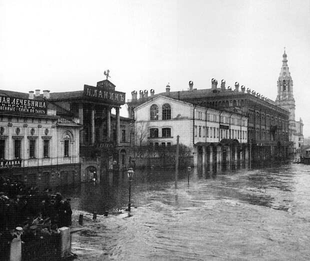 Московское наводнение 1908 г, Софийская набережная.