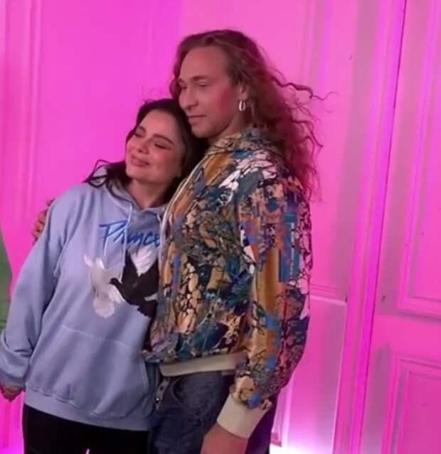 """Наташа Королева и ее мама поздравили с днем рождения Тарзана: """"В обиду не дадим!"""""""