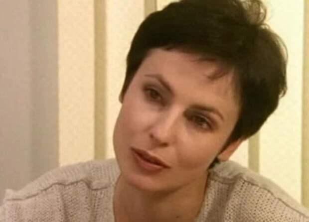 Ирина Апексимова в фильме *День рождения Буржуя*, 1999 | Фото: kino-teatr.ru