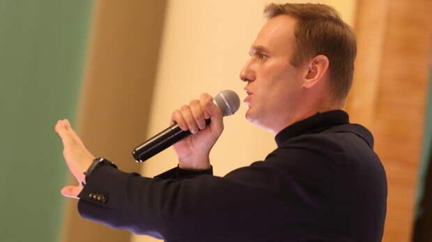 """Провал операции """"Дворец"""": Навального разоблачили и в России, и в Германии"""