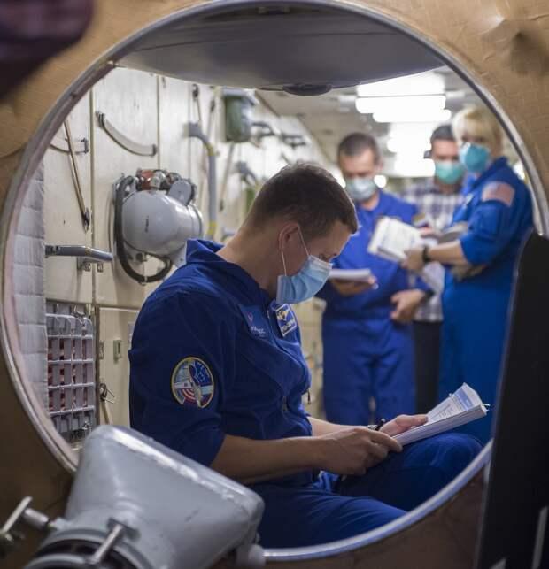 Утопить, превратить в заправку, продать: что Россия собирается сделать с МКС?