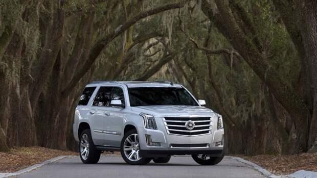 Cadillac представил серийную версию нового электрокроссовера Lyriq
