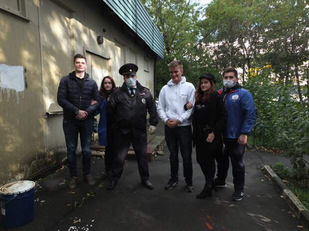 Активисты сотрудничают с коммунальными службами и правоохранительными органами / Фото: Галина Погодина