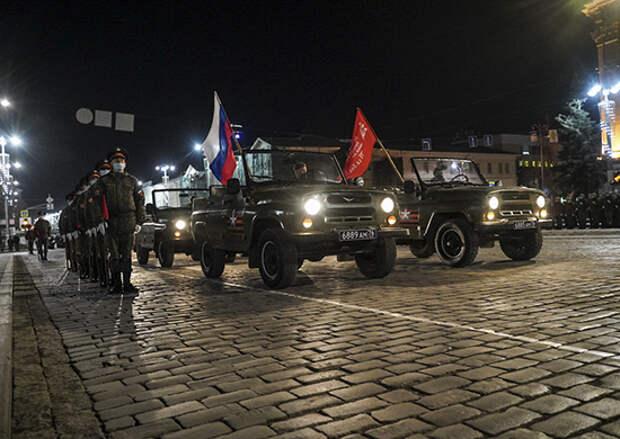 В Екатеринбурге на площади 1905 года состоится первая совместная тренировка пеших парадных расчетов и механизированной колонны ЦВО
