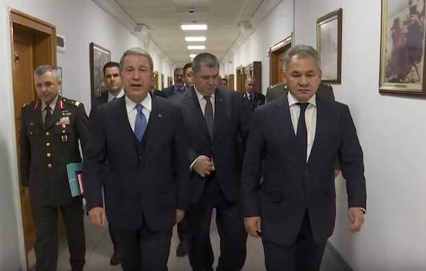 Минобороны Турции напомнило Шойгу о Сирии и Ливии в контексте событий в Карабахе