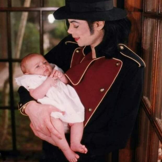 Дочь Майкла Джексона Пэрис отметила юбилей — 20 лет