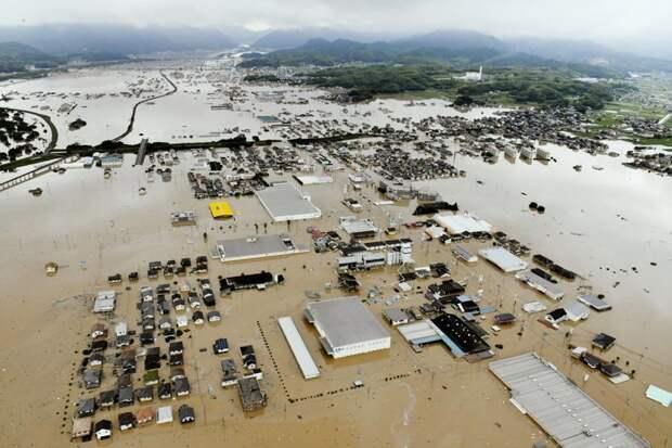 Затопленные дома в Курасики #KURASHIKI, #Okayama, #hiroshima, ynews, наводнение, стихия, япония
