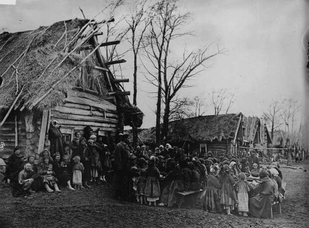 Народная столовая в деревне Пралевка. Лукояновский уезд,1891-1892 год.