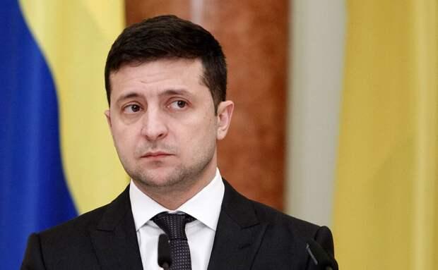 """""""Маразматик и глупец"""": неожиданный поступок Зеленского вызвал шок"""