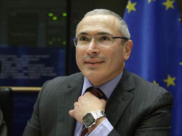 Экстрадиция: Ходорковского ожидает теплый прием в России