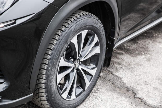Тест-драйв: Lexus NX 200 Black Vision