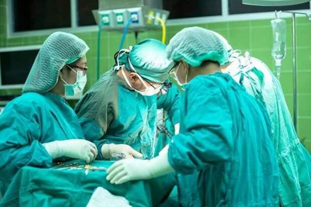 Трех новорожденных в Югре удалось спасти благодаря санавиации