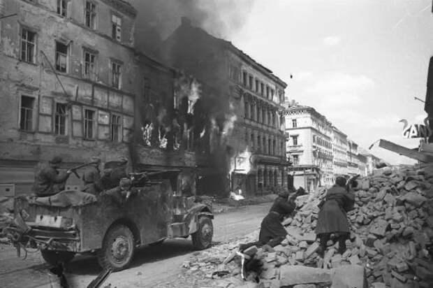 Освобождение Вены советскими войсками - одна из самых блестящих операций Великой войны