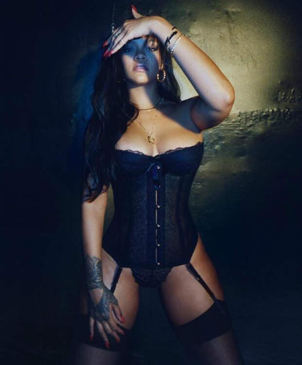 Скандальная фотосессия Рианны свела с ума интернет