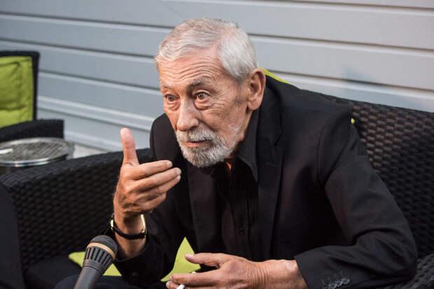 Вахтанг Кикабидзе пожаловался на трудное финансовое положение