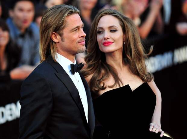 Brad-Pitt-et-Angelina-Jolie-enfin-maries_portrait_w674