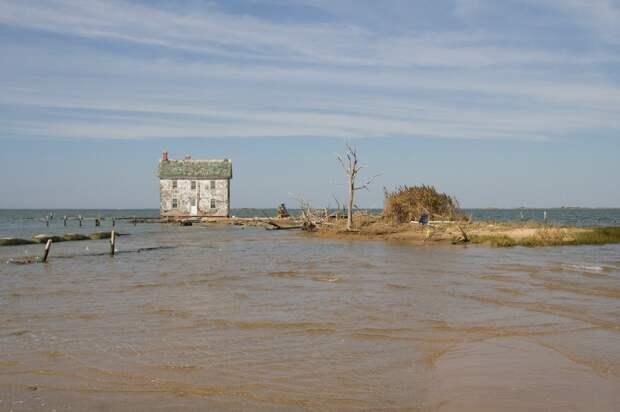 lonelyhouses10 Потрясающие дома, построенные вдали от цивилизации