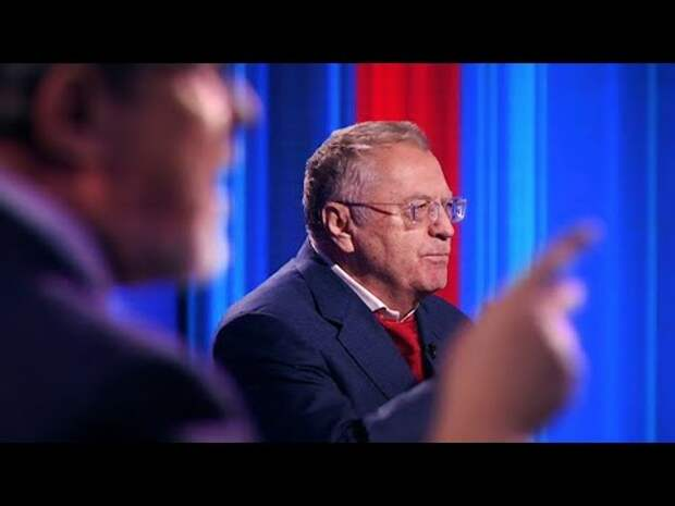 Видео: При упоминании о коммунистах, с Жириновского сползли штаны