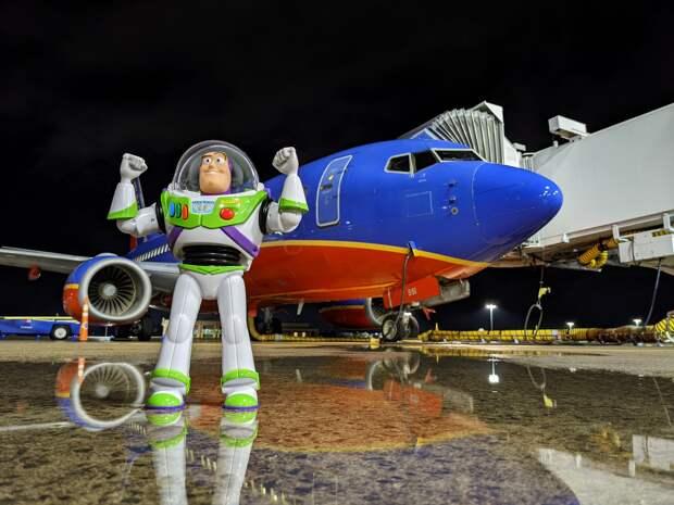 Сотрудник аэропорта провел целое расследование, чтобы вернуть забытую игрушку