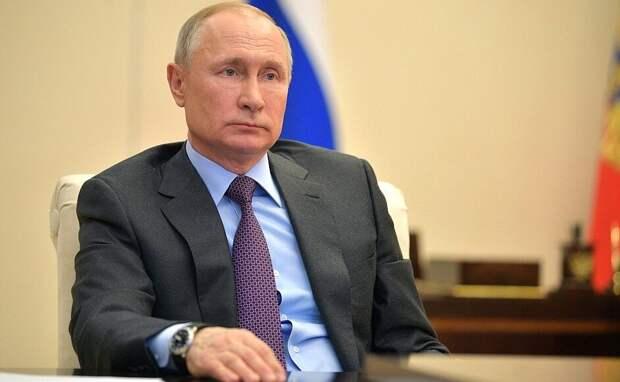 Путин заявил о готовности России снизить добычу нефти для стабилизации рынка