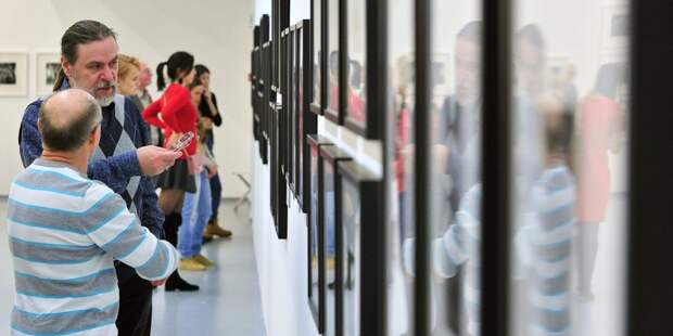 Выставка акварели открылась в культурном центре на улице Свободы